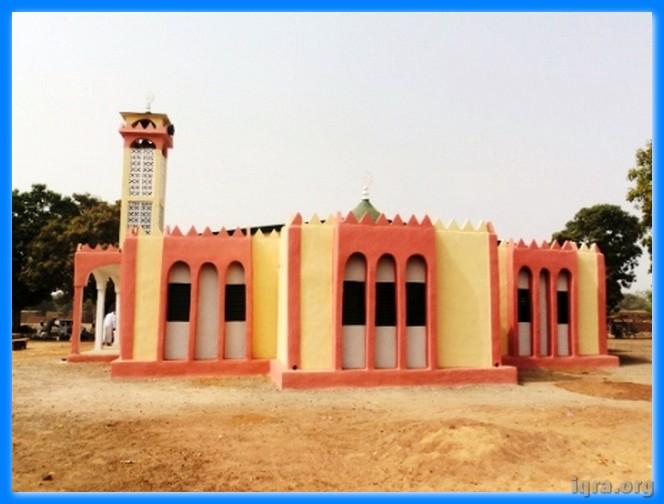 الجامع يوم الافتتاح من الأمام